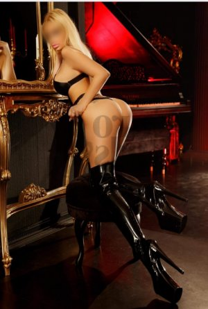 Marinka outcall escort in Crest Hill