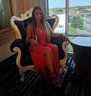 Lutricia escort in Pinellas Park