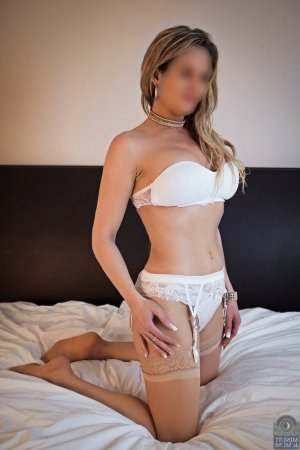 Julitte independent escort in Bloomington