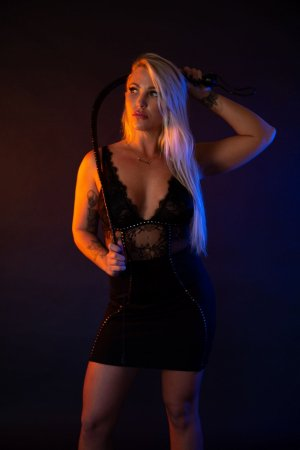 Bach live escort in Macon